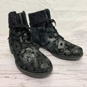 Remonte / Floral Metallic Leather Lace up Boots